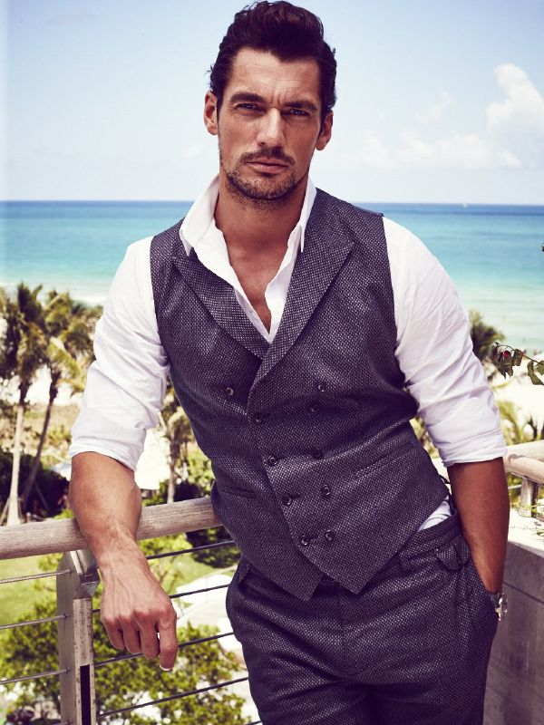 7375273_dolce--gabbana-model-david-gandy-is-the_t51f1231